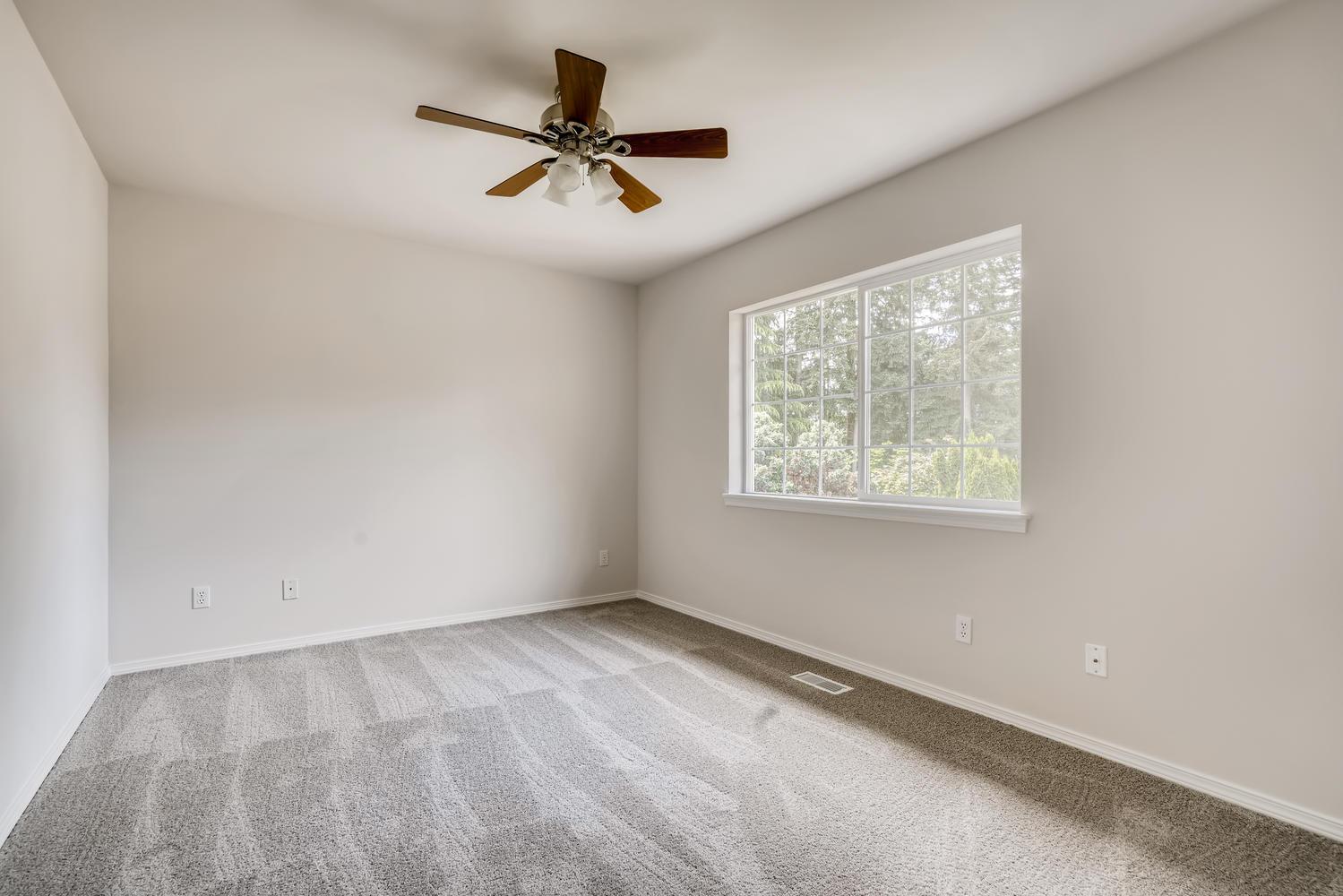 19512 12th Ave W Lynnwood WA-large-022-019-Bedroom-1499×1000-72dpi