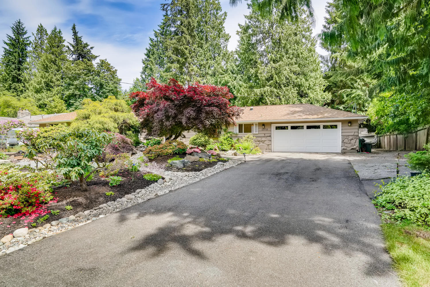 23715 110th Pl W Woodway WA-large-001-004-Exterior Front-1500×1000-72dpi