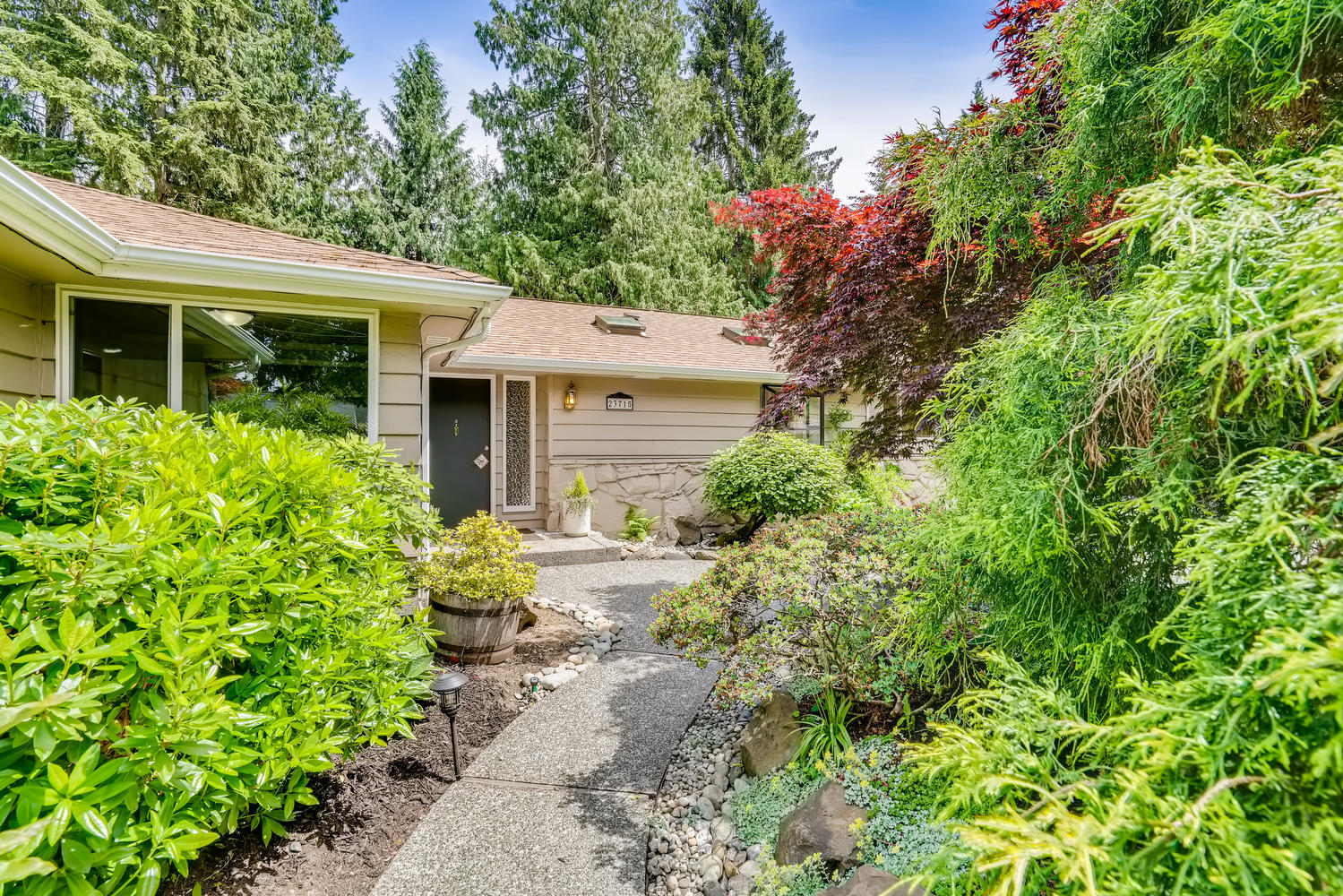 23715 110th Pl W Woodway WA-large-004-026-Exterior Front Entry-1499×1000-72dpi
