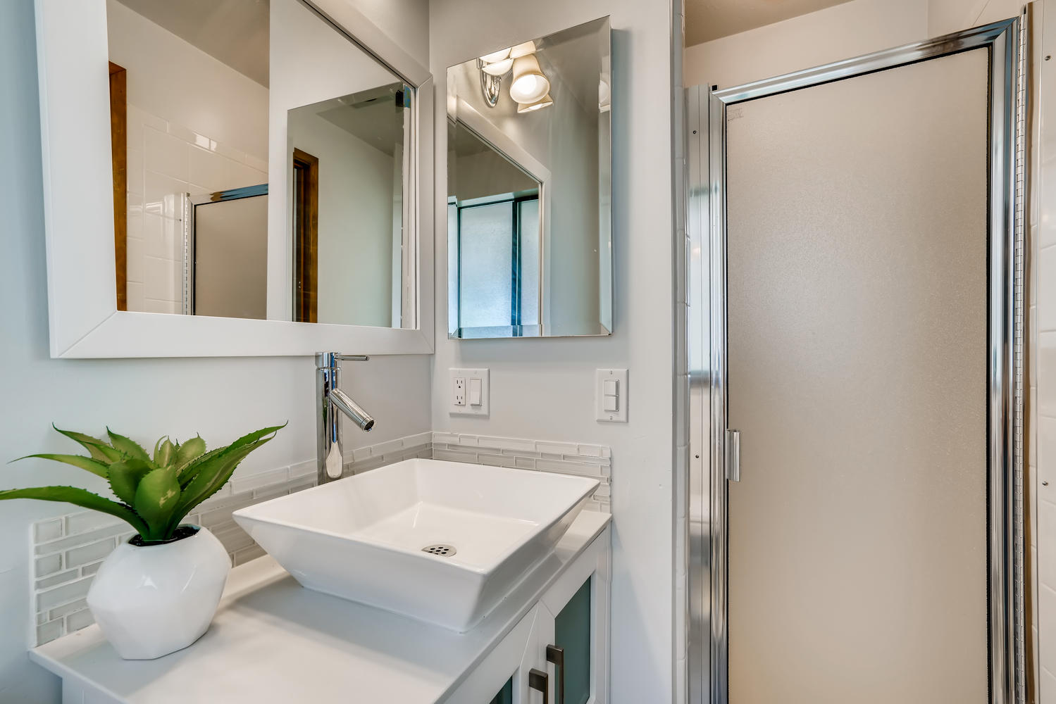 23715 110th Pl W Woodway WA-large-021-010-Bathroom-1500×1000-72dpi