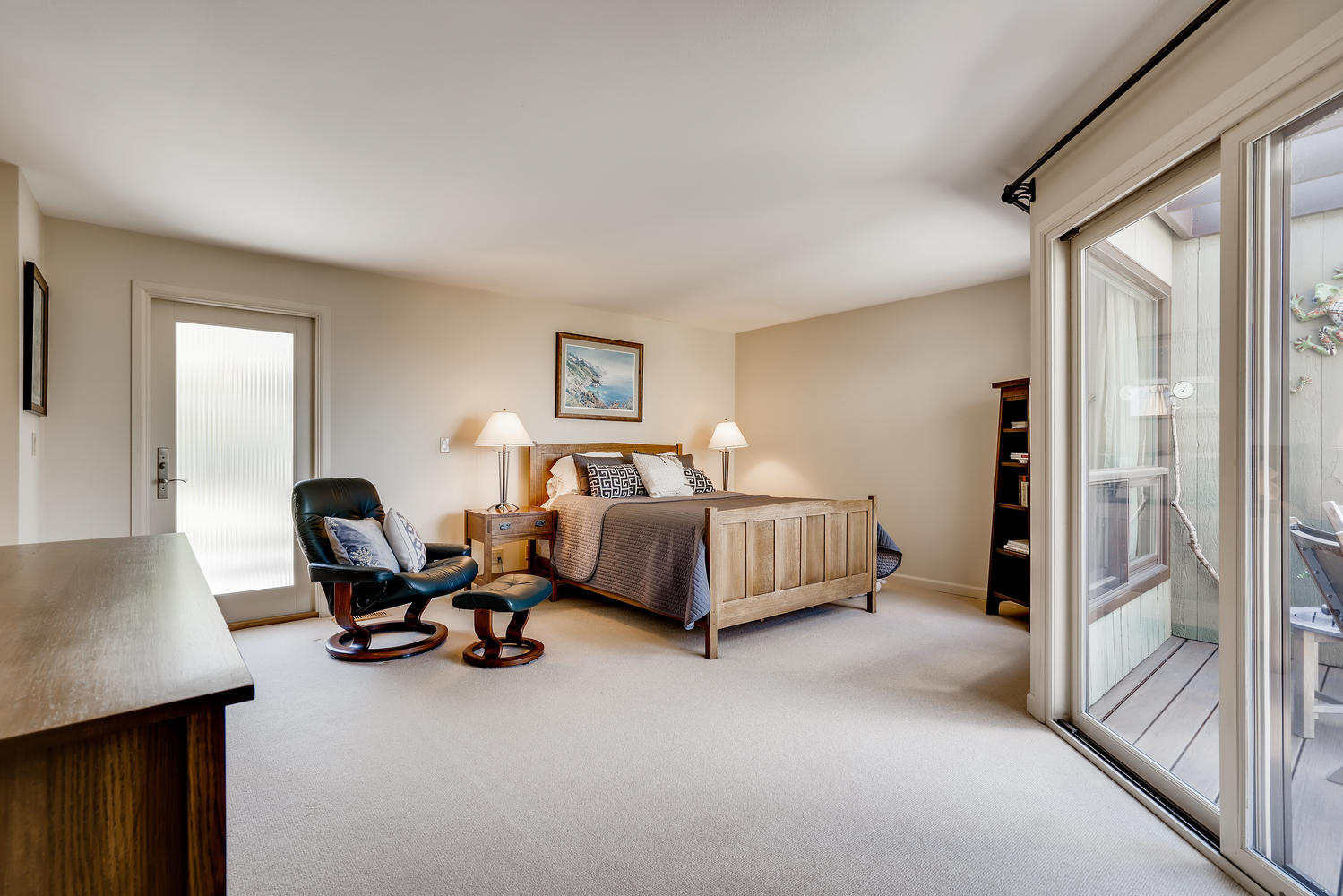 615 12th Ave N Edmonds WA-large-014-023-Master Bedroom-1500×1000-72dpi