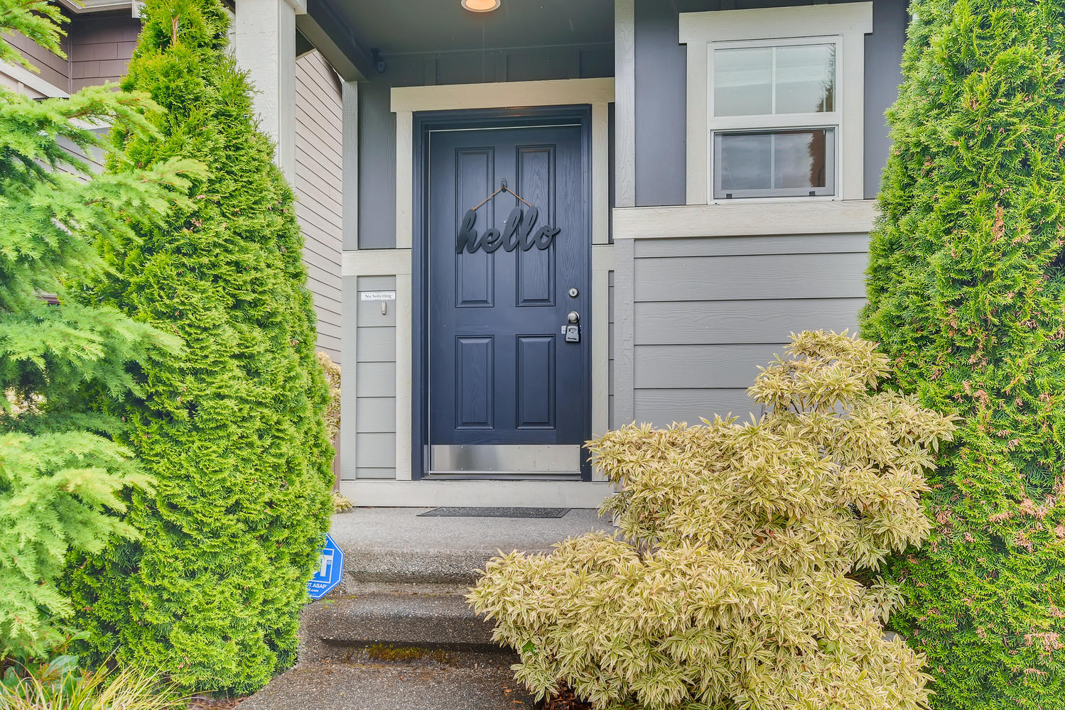 426 199th Pl SW Lynnwood WA-large-003-008-Exterior Front Entry-1499×1000-72dpi