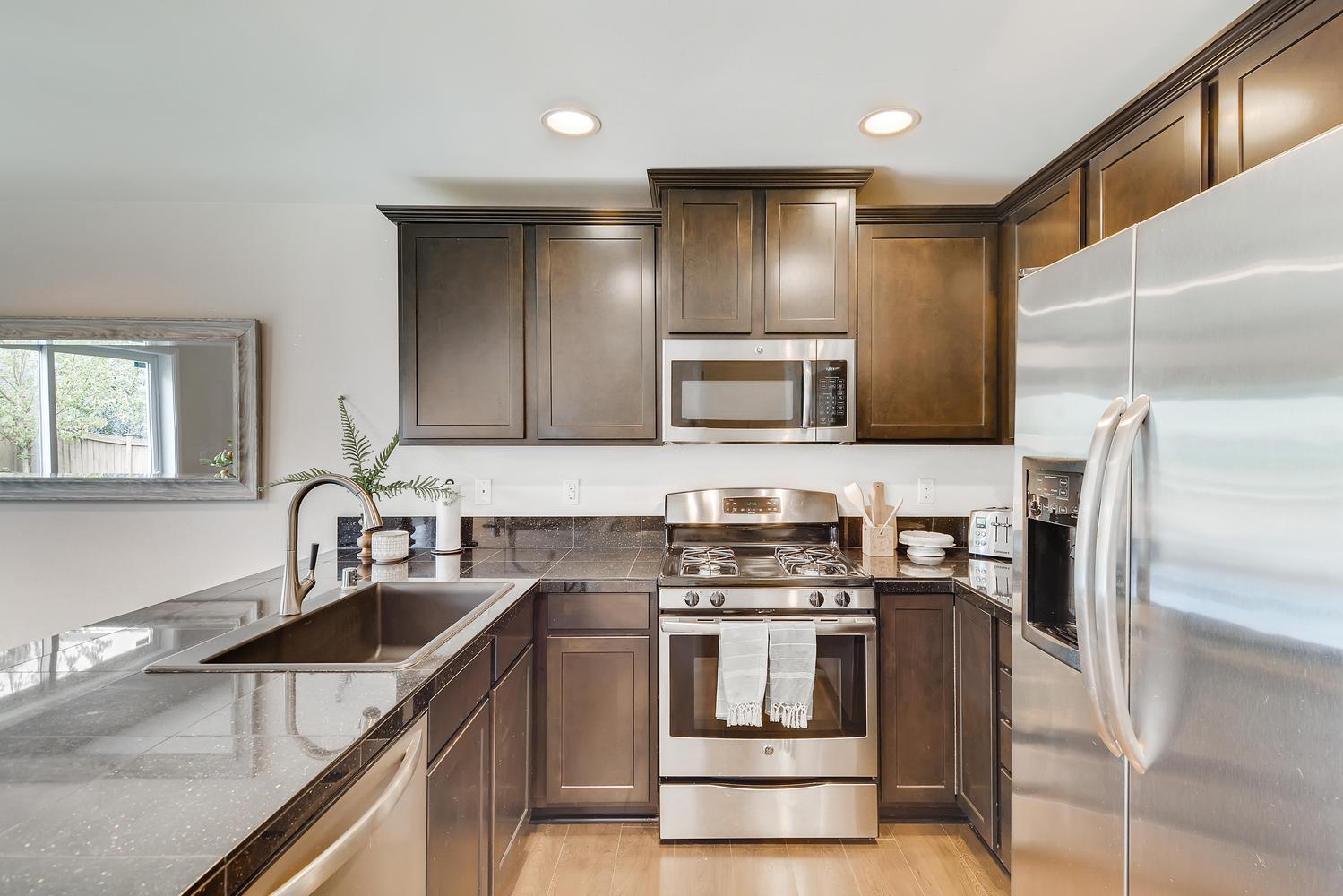 426 199th Pl SW Lynnwood WA-large-009-007-Kitchen-1499×1000-72dpi