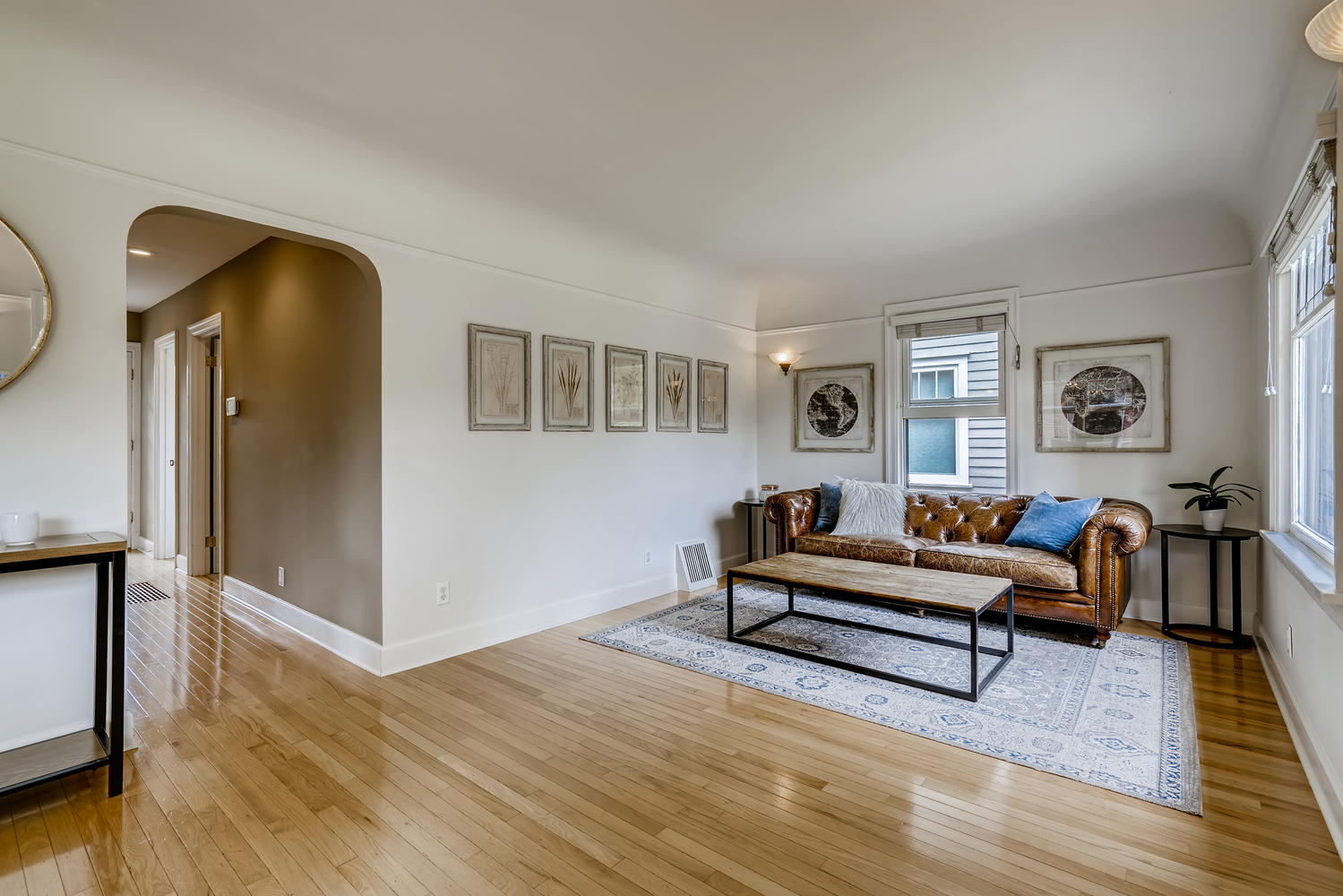 3921 42nd Ave SW Seattle WA-large-004-004-Living Room-1499×1000-72dpi