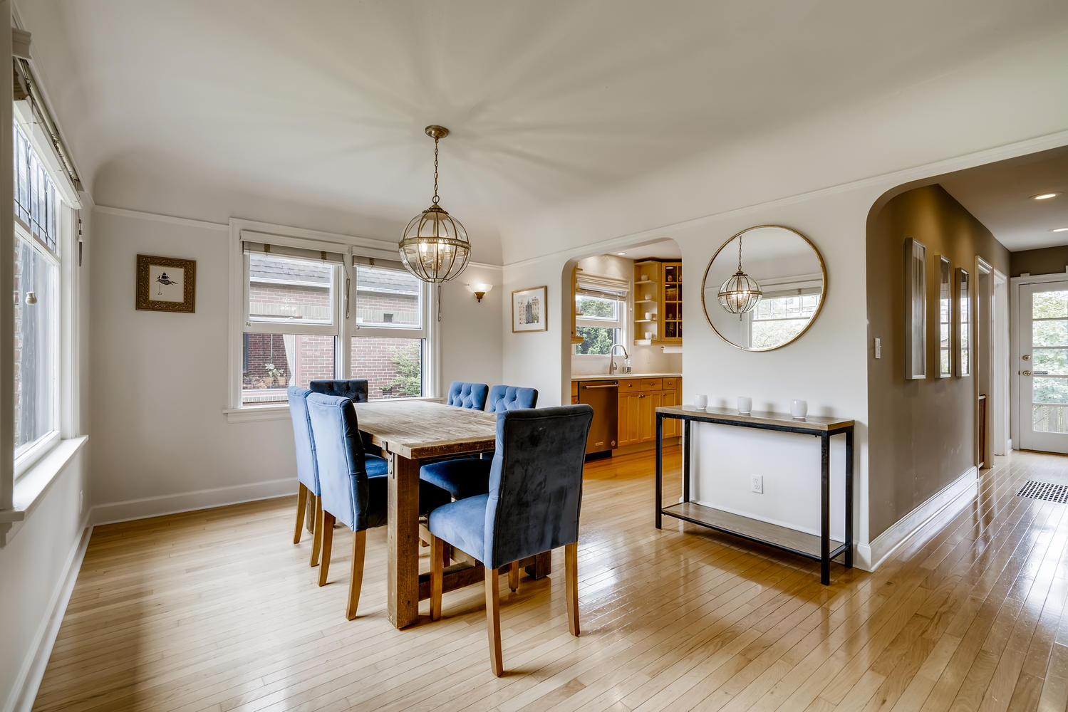 3921 42nd Ave SW Seattle WA-large-008-008-Dining Room-1499×1000-72dpi