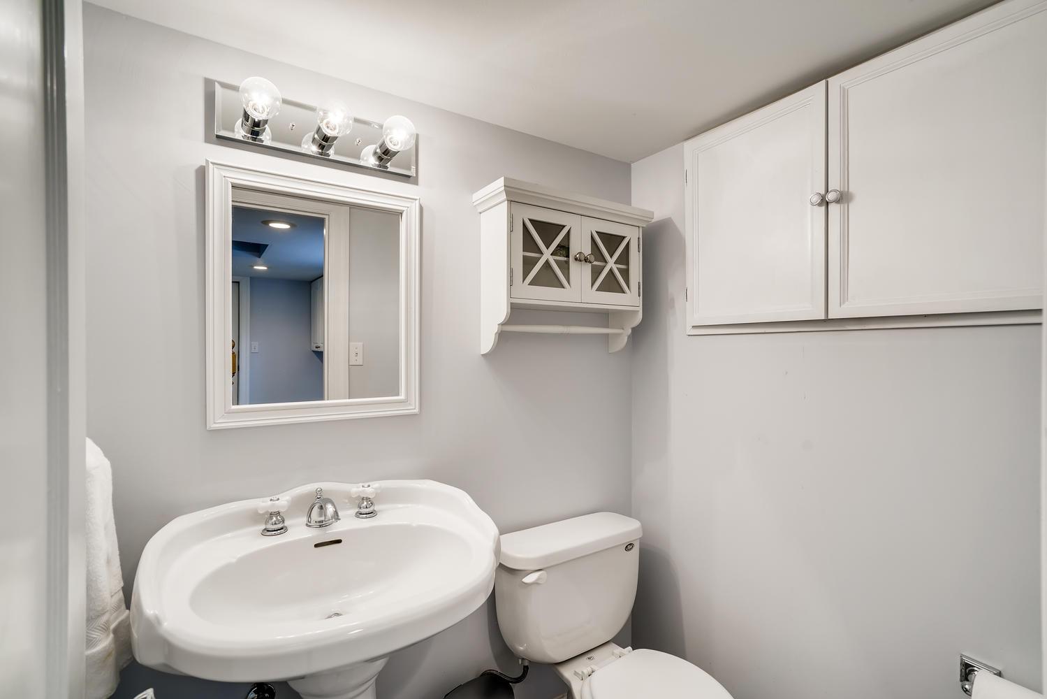 3921 42nd Ave SW Seattle WA-large-022-022-Lower Level Powder Room-1499×1000-72dpi