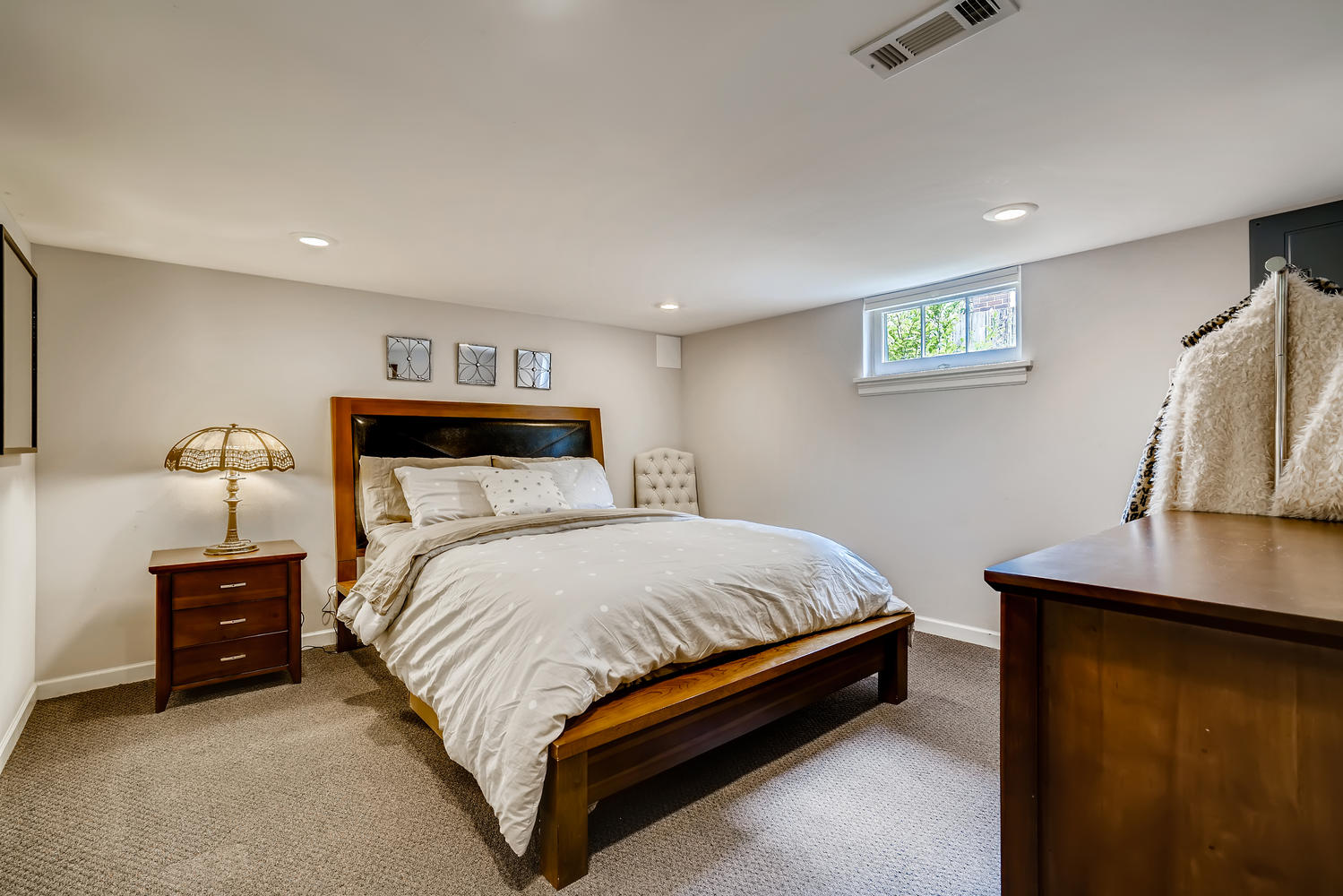 3921 42nd Ave SW Seattle WA-large-023-023-Lower Level Bedroom-1499×1000-72dpi