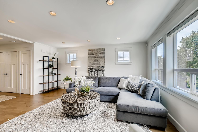 622 Bell St 102 Edmonds WA-large-010-013-Living Room-1500×1000-72dpi