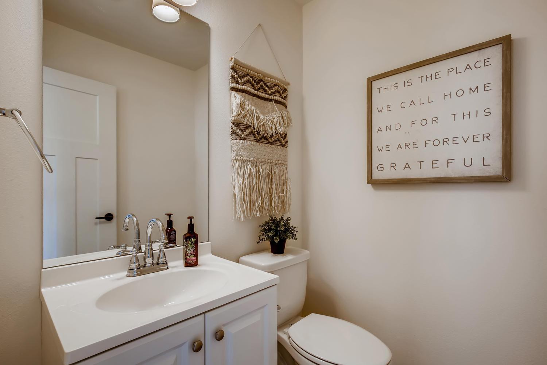 622 Bell St 102 Edmonds WA-large-017-015-Bathroom-1500×1000-72dpi