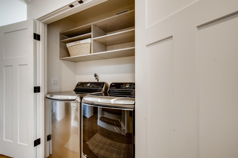 622 Bell St 102 Edmonds WA-large-027-023-Laundry Room-1500×1000-72dpi