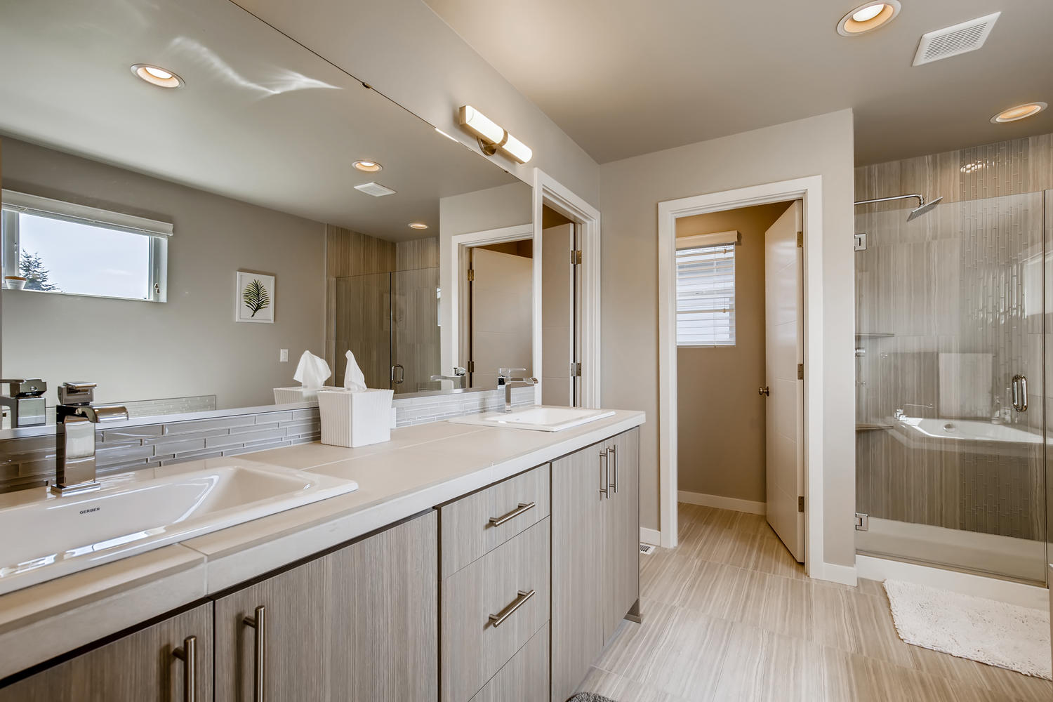 1120 154th Pl SW Lynnwood WA-large-015-017-2nd Floor Master Bathroom-1500×1000-72dpi