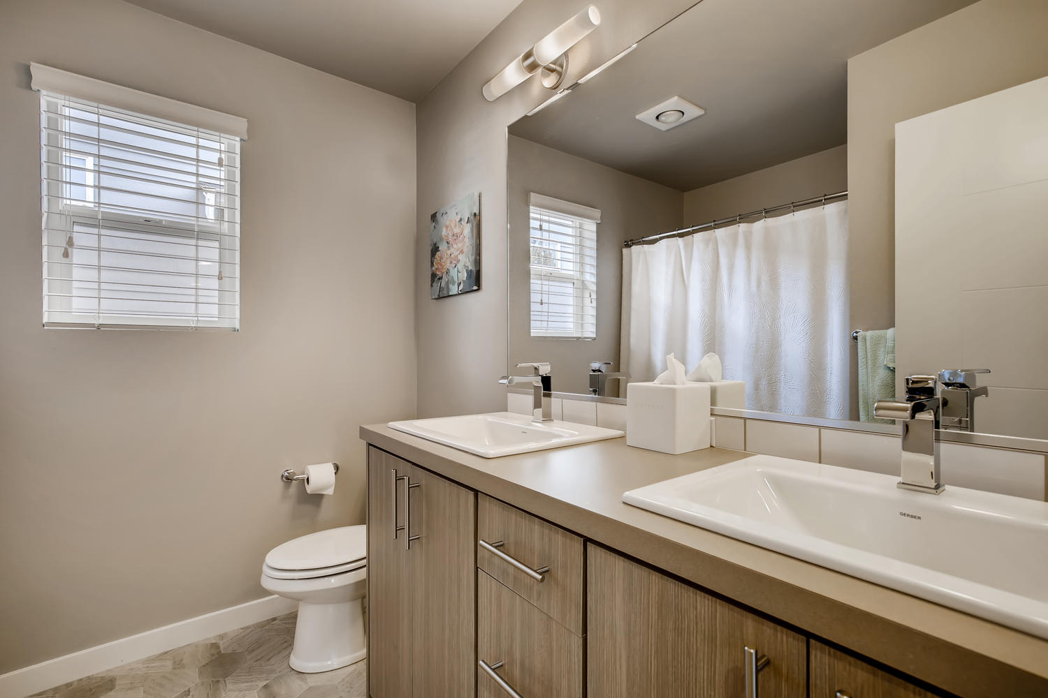 1120 154th Pl SW Lynnwood WA-large-018-016-2nd Floor Bathroom-1500×1000-72dpi