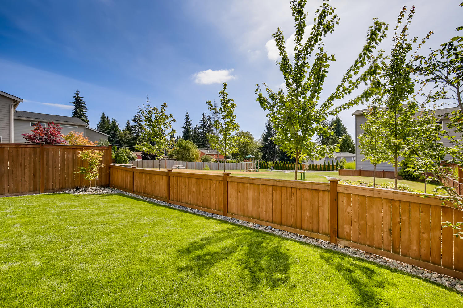 1120 154th Pl SW Lynnwood WA-large-027-027-Back Yard-1500×1000-72dpi