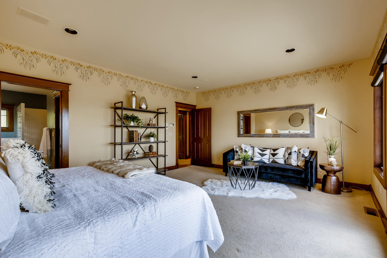 8412 Naketa Ln Mukilteo WA-large-015-012-Master Bedroom-1500×1000-72dpi