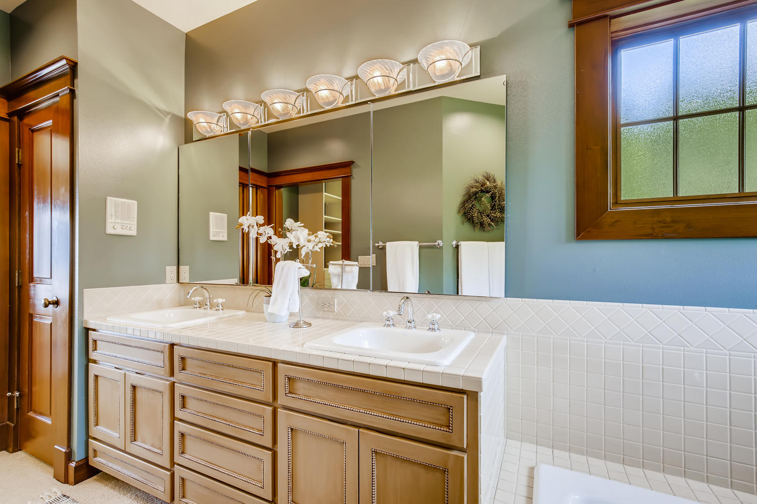 8412 Naketa Ln Mukilteo WA-large-017-014-Master Bathroom-1500×1000-72dpi