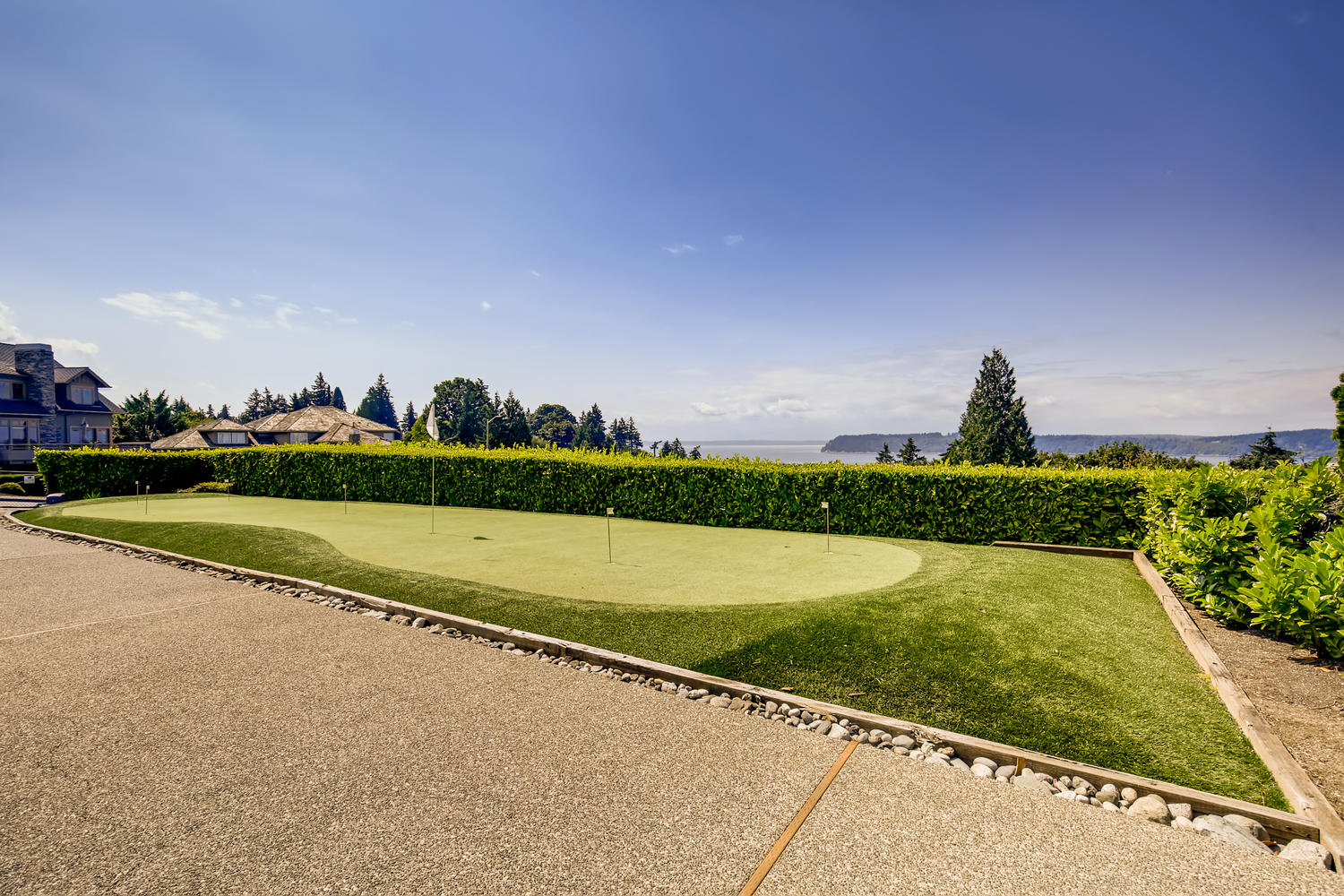 8412 Naketa Ln Mukilteo WA-large-026-024-Putting Green-1500×1000-72dpi
