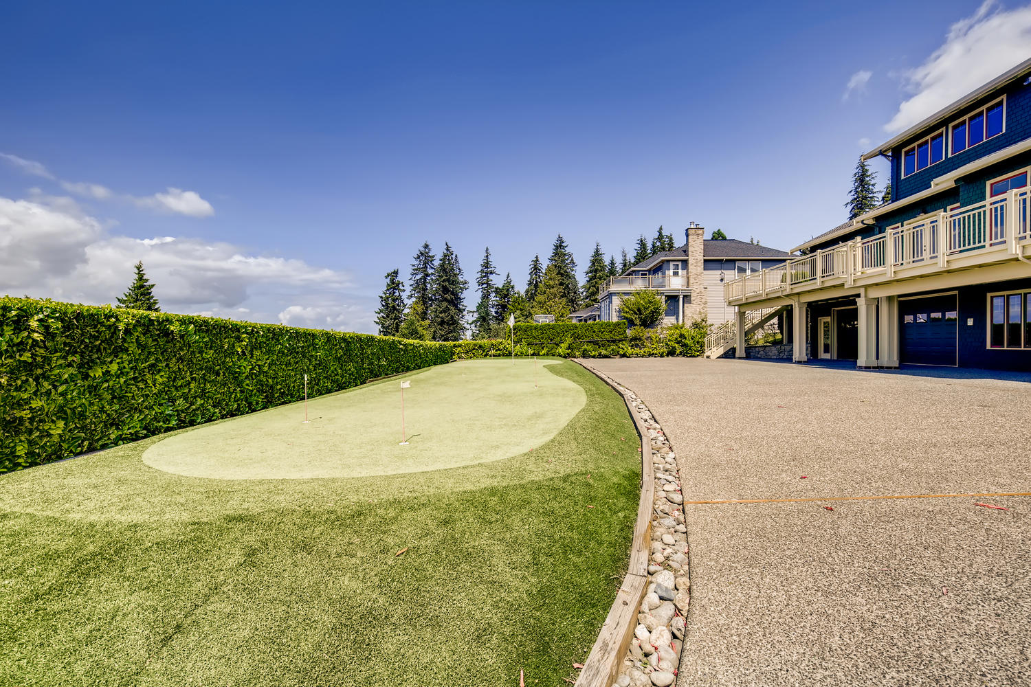 8412 Naketa Ln Mukilteo WA-large-027-025-Putting Green-1500×1000-72dpi