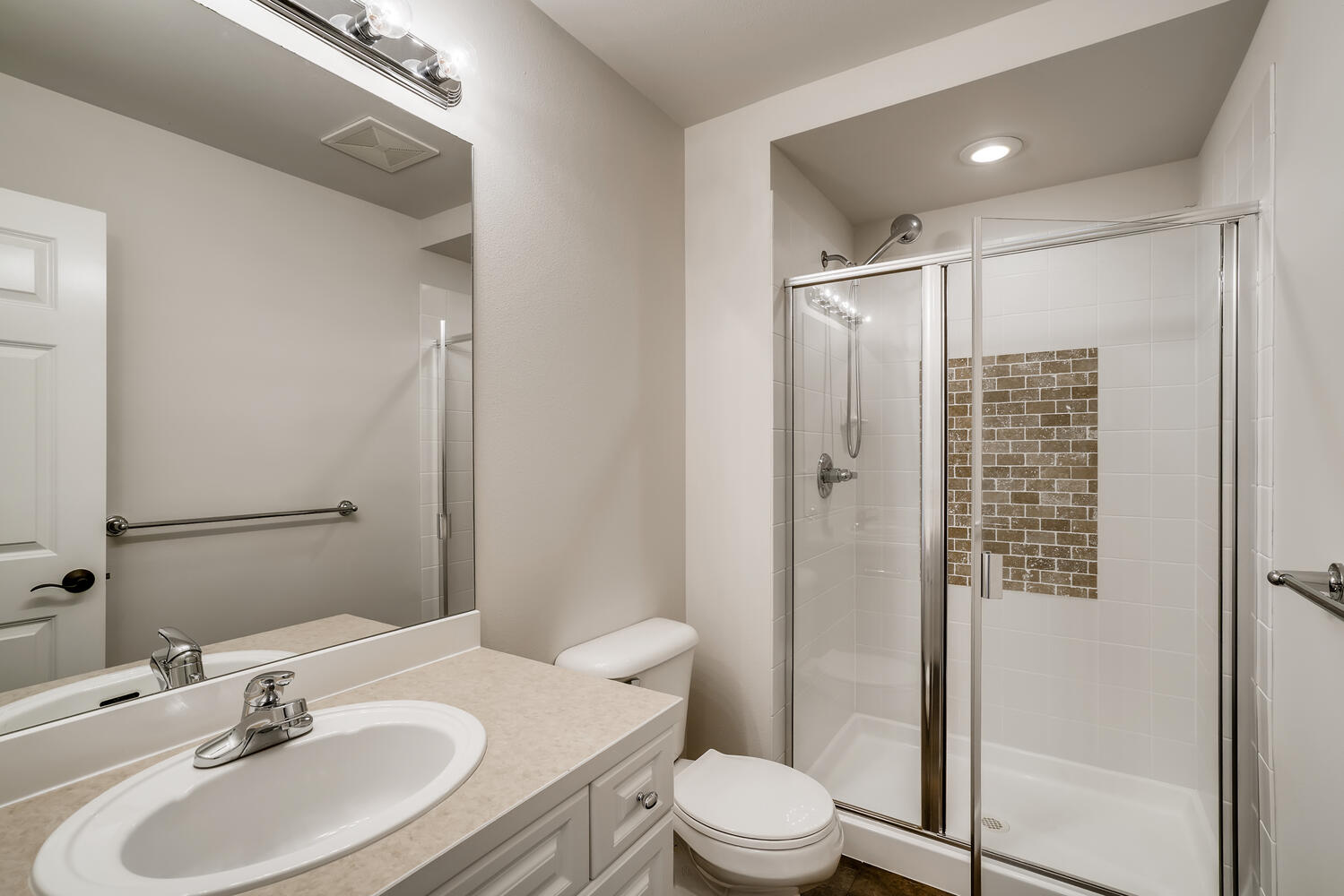 24128 E Greystone Lane Woodway-large-023-023-2nd Floor Bathroom-1499×1000-72dpi