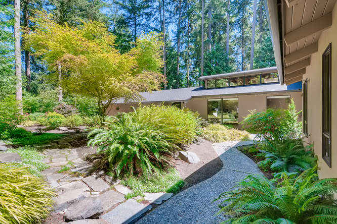 030-13431 NE 47th St Bellevue WA-small-014-069-Patio2-666×445-72dpi (4)
