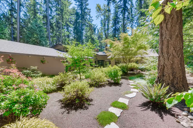 031-13431 NE 47th St Bellevue WA-small-014-069-Patio2-666×445-72dpi (5)