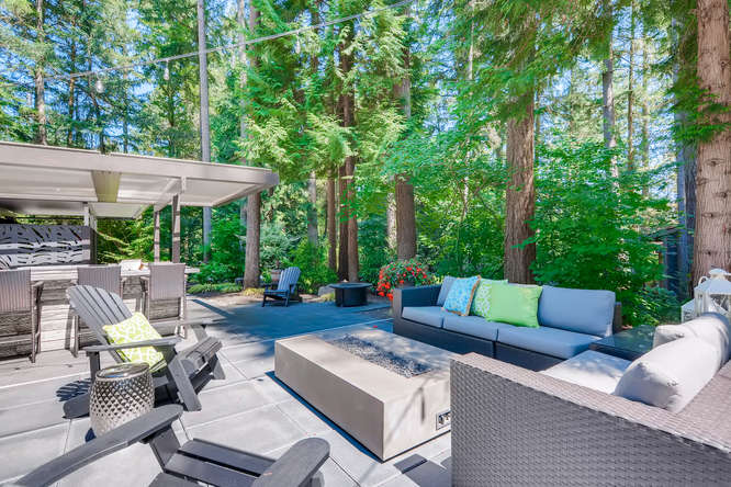 032-13431 NE 47th St Bellevue WA-small-014-069-Patio2-666×445-72dpi (2)