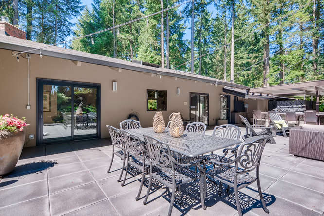 033-13431 NE 47th St Bellevue WA-small-014-069-Patio2-666×445-72dpi (1)