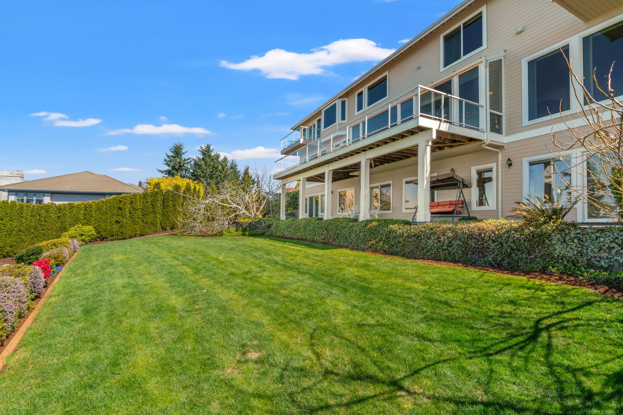 007-1492072ndAvenueWest-Edmonds-WA-98026-SMALL