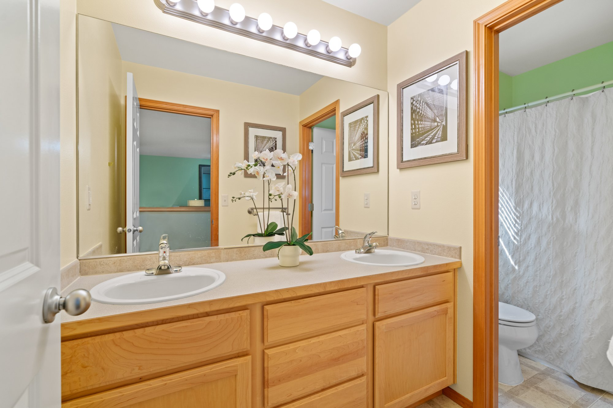 029-2946Northeast178thStreet-LakeForestPark-WA-98155-SMALL